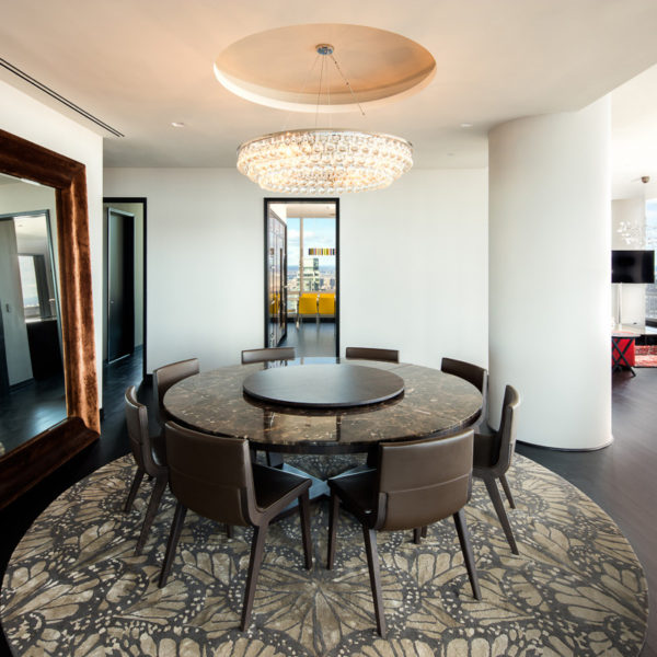 Round table and furnishings with high-end finishes